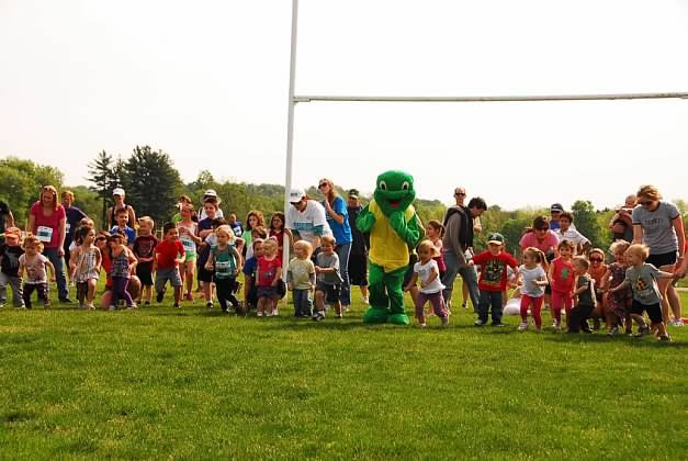 Wally starting the kids race